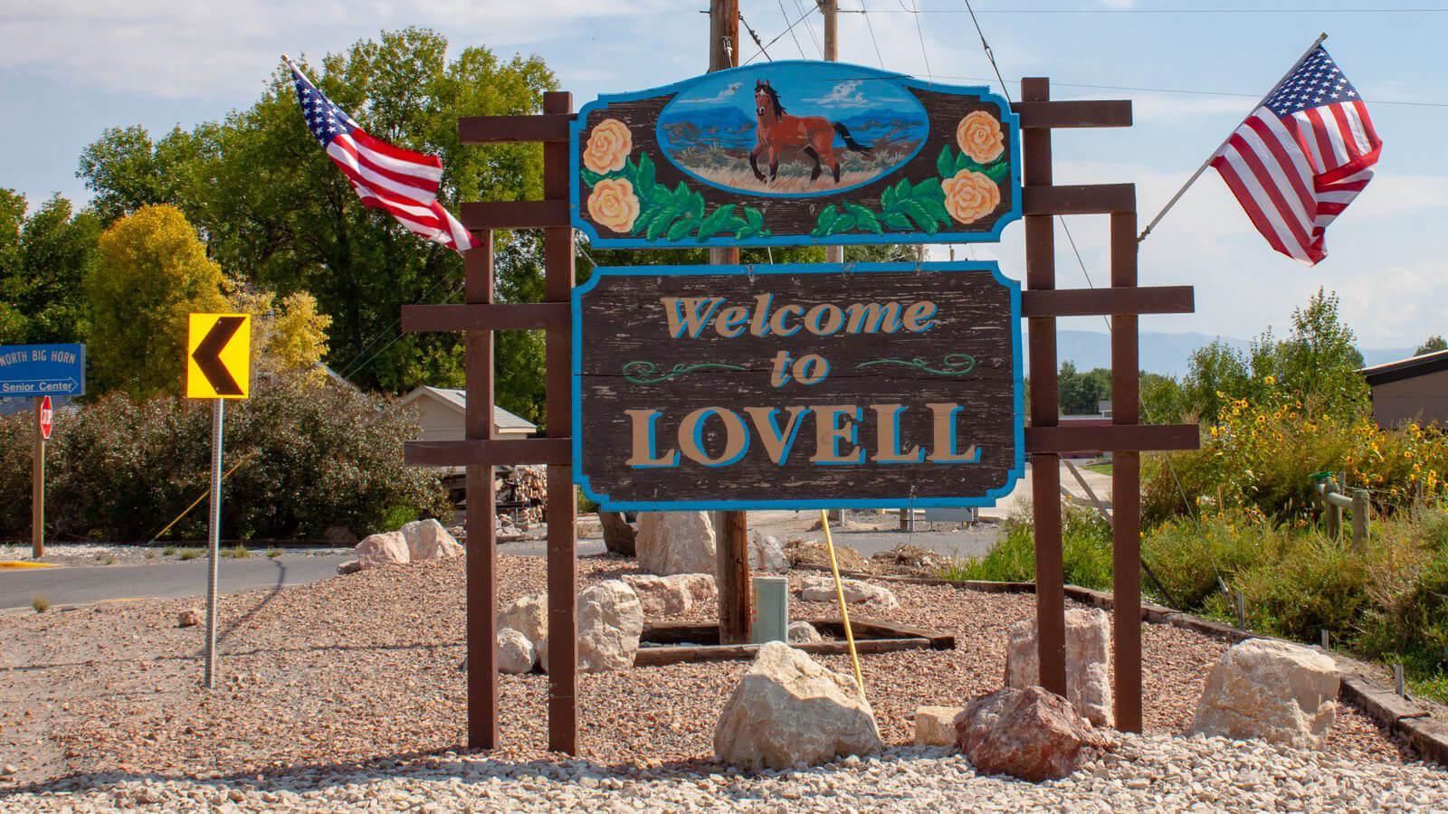 Lovel town Sign