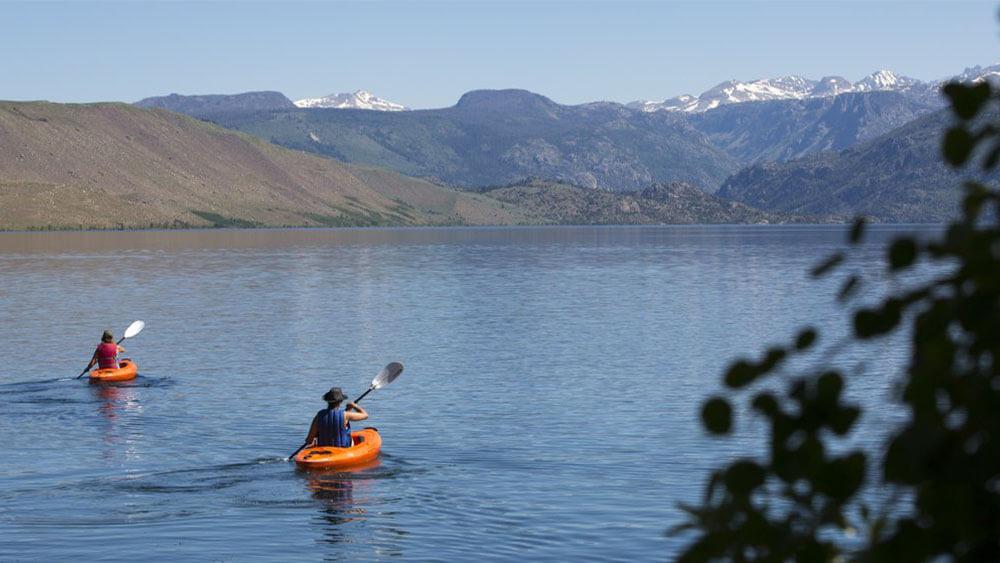 Kayakers on Fremont Lake