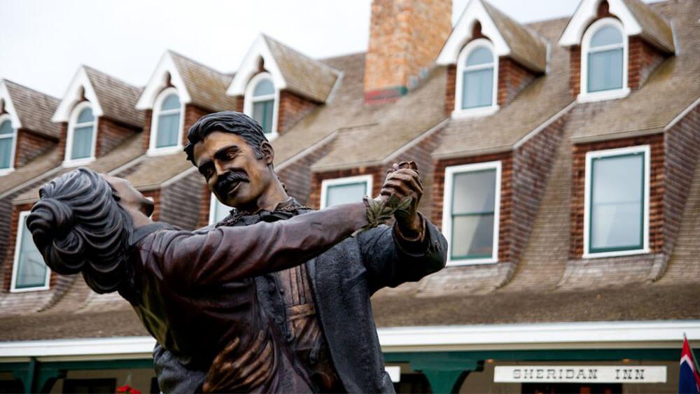Statue in front of Sheridan Inn