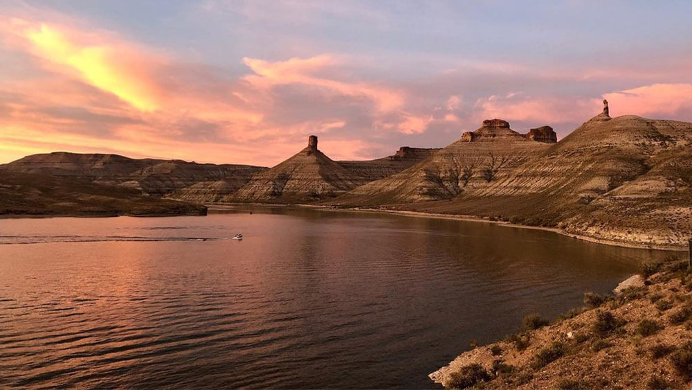 Flaming Gorge reservoir with boater